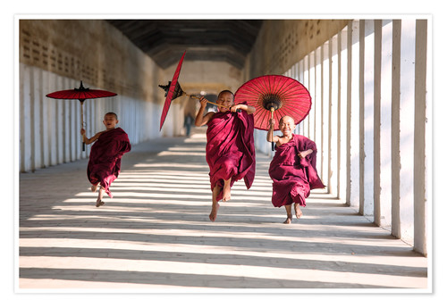 Premium poster Young monks running