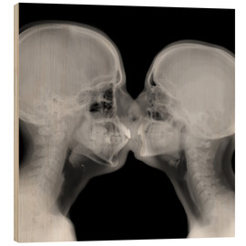 Wood  X-ray of a couple kissing - PhotoStock-Israel