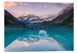 Forex  Glacial lake at Mt Cook, New Zealand - Matteo Colombo