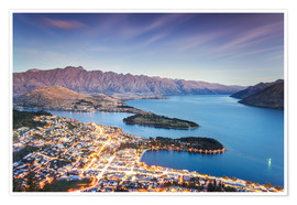 Premium poster  Queenstown illuminated at dusk and lake Wakatipu, Otago, New Zealand - Matteo Colombo