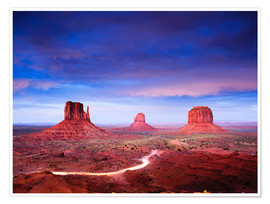 Premium poster  Panorama of Monument Valley at dusk after sunset, Utah, USA - Peter Wey