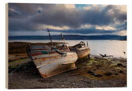 Wood print  Old fishing boats in Salen, Isle of Mull - Patrick Dieudonne