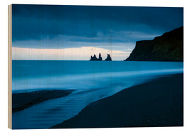 Wood print  Twilight view towards rock stacks at Reynisdrangar off the coast at Vik, South Iceland, Iceland, Pol - Lee Frost