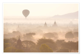 Premium poster  Balloon above the Bagan temples - Lee Frost