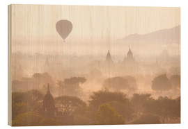 Wood  Balloon above the Bagan temples - Lee Frost