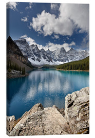 Canvas print  Moraine Lake in the fall with fresh snow, Banff National Park, UNESCO World Heritage Site, Alberta, - James Hager