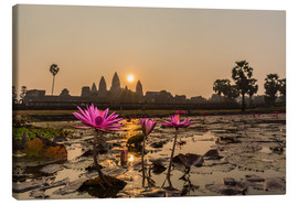 Canvas  Sunrise over the west entrance to Angkor Wat, Angkor, UNESCO World Heritage Site, Siem Reap, Cambodi - Michael Nolan
