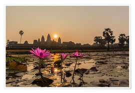 Poster  Sunrise over the west entrance to Angkor Wat, Angkor, UNESCO World Heritage Site, Siem Reap, Cambodi - Michael Nolan