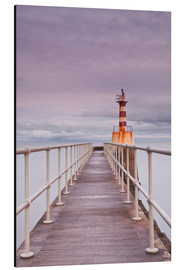 Aluminium print  The South Jetty lighthouse in Amble on the Northumberland coastline, Northumberland, England, United - Julian Elliott