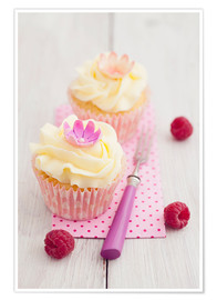 Premium poster Pink cupcakes with vanilla buttercream