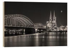 Wood  Cologne Cathedral and Hohenzollern Bridge at night (b / w) - rclassen