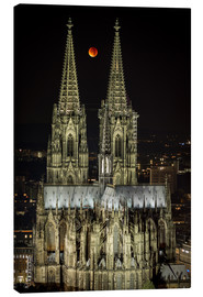 Canvas print  Blood moon shines over Cologne Cathedral - rclassen