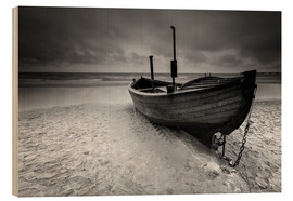 Wood print  Fishing boat on the beach monochrome - Filtergrafia
