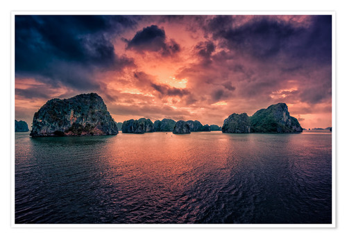 Premium poster Sunrise over Halong Bay