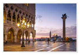 Premium poster  St Mark square and Doges palace at sunrise, Venice, Italy - Matteo Colombo