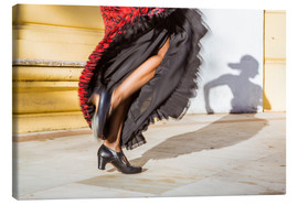 Canvas  Close up of flamenco dancer performing in Seville, Spain - Matteo Colombo
