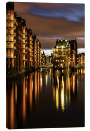 Canvas  Warehouse District; Hamburg - Germany - Achim Thomae