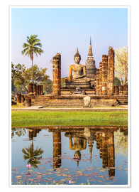 Premium poster Wat Mahathat buddhist temple reflected in pond, Sukhothai, Thailand