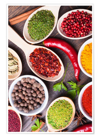 Poster  Spice powder in wooden spoon