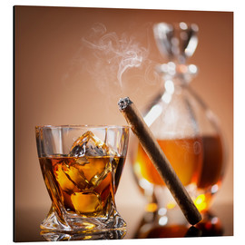 Aluminium print  Cigar on glass of whiskey with ice cubes