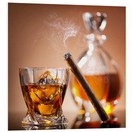Forex  Cigar on glass of whiskey with ice cubes