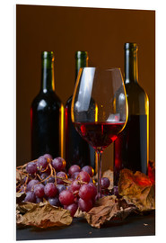 Forex  red wine with grapes and vine leaves