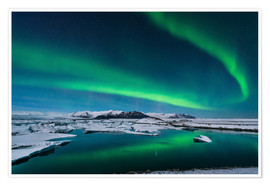 Premium poster Northern lights dance over glacier lagoon
