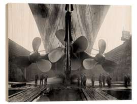 Wood print  Shipyard workers with the Titanic - John Parrot
