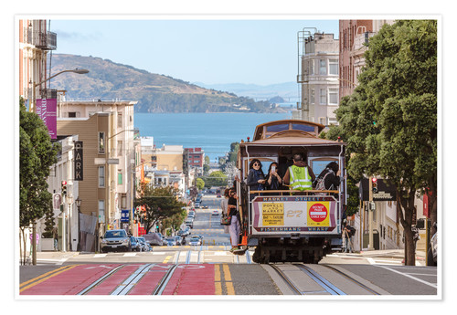 Premium poster Cable car on a hill in the streets of San Francisco, California, USA