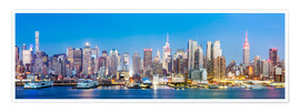 Premium poster Manhattan skyline panoramic at night, New York city, USA