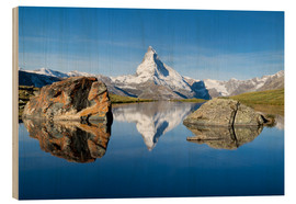 Jan Christopher Becke - Stellisee and Matterhorn in the Swiss Alps in summer