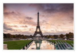 Premium poster EIffel tower at sunset from the Trocadero, Paris, France