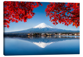 Canvas  Mount Fuji at the lake Kawaguchiko in Japan - Jan Christopher Becke