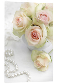 Pastel-colored roses with pearls