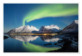Premium poster Northern lights and stars light up snowy peaks