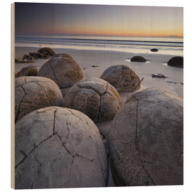 Wood print  Moeraki Boulders, Koekohe Beach, New Zealand - Rainer Mirau
