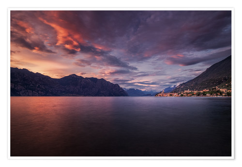Premium poster Sunset at Lake Garda with view on Malcesine