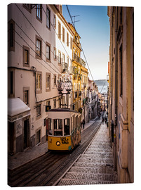 Canvas  Tram in Lisbon - Jörg Gamroth