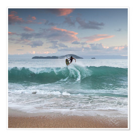 Premium poster  Surfing at sunset in paradise - Alex Saberi