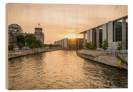 Wood print  Sunset at the Reichstag in Berlin - Martin Wasilewski