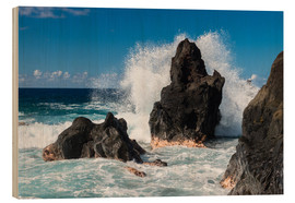 Markus Ulrich - Waves breaking at a Rock on La Reunion