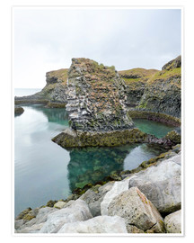 Premium poster  Rocky coastal scenery in Iceland
