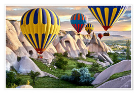 Poster  Balloons over the Tuff Rock of Turkey - imageBROKER
