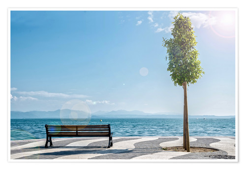 Poster Shore of Lake Garda with Alps on the horizon