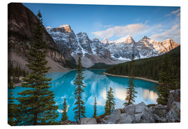 Canvas  Sunset over lake Moraine, Banff, Canada - Matteo Colombo