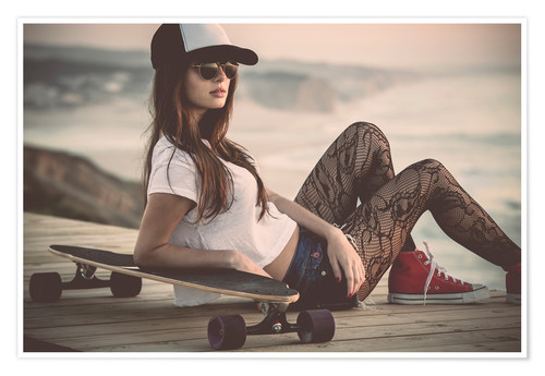 Premium poster Beautiful young woman posing with a skateboard