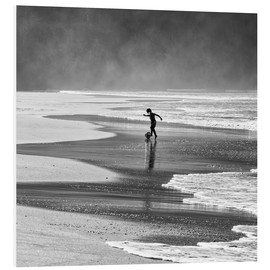 Foam board print  Brazilian boy playing football on beach - Alex Saberi