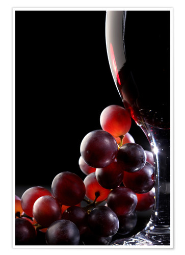 Premium poster Red grapes and glass of wine
