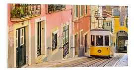 Forex  Yellow tram in Lisbon's old town - Jörg Gamroth