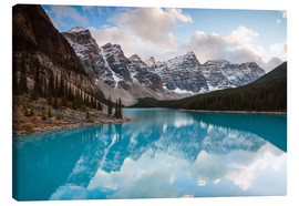 Canvas  Autumnal sunset at Moraine lake, Canada - Matteo Colombo